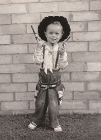 Tim Keller Lil Cowboy with twin pistols Halloween 1953 - age 2
