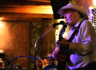 Michael Hearne performing at Sabroso, Arroyo Seco NM, April 2015, by Tim Keller